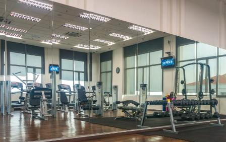 Call Glass Masters for large wall mirrors for your office or gym in Folsom, CA